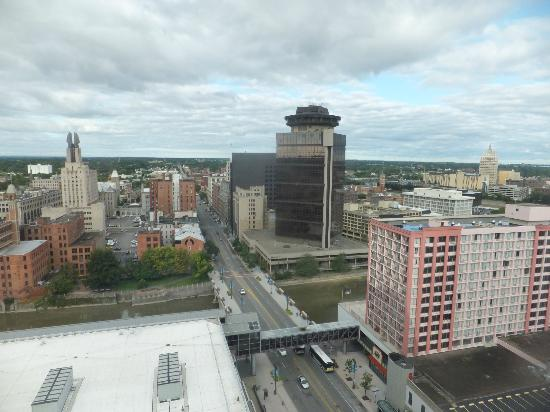 Hyatt Regency Rochester: day time view
