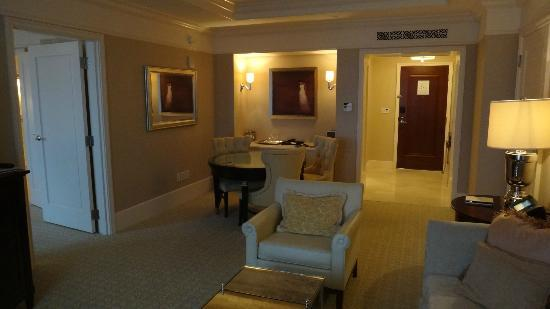 The St. Regis Atlanta: Living Room