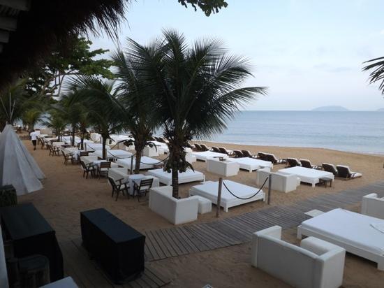 Dpny Beach Hotel Spa Area