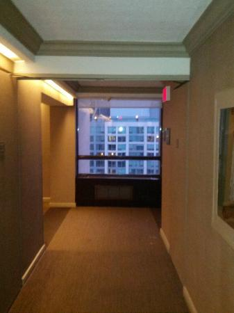 The Westin Harbour Castle: ARROUND ELEVATOR