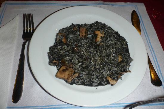 Konoba Feral: Black risotto