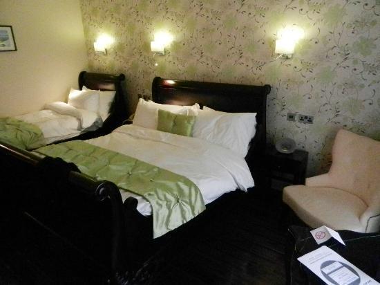 Talbot Hotel: Einzelzimmer gebucht, Platz für drei Personen bekommen!