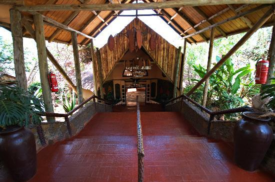 Mara Sopa Lodge: Main Entrance