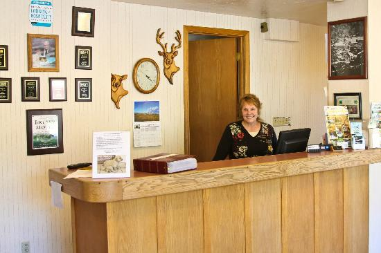 Big Sky Motel Front Desk & Rosie