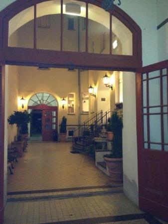 Myer's Hotel - Berlin: entrance