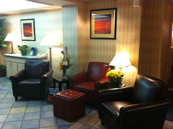 Travelodge Yuba City: Lobby