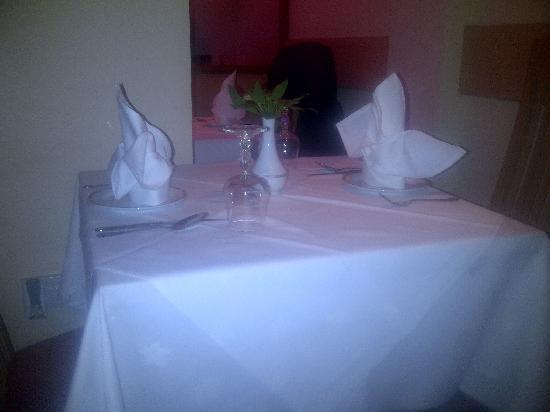 Wimborne Tandoori: Quality linen experience