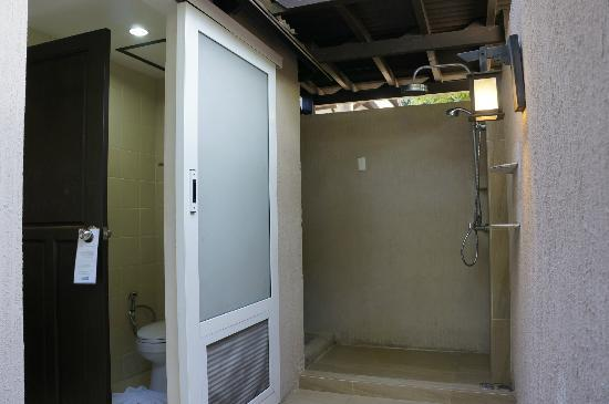 Holiday Inn Resort Phi Phi Island: Outside shower