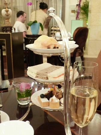 Raffles Beijing Hotel: Delicious afternoon tea!