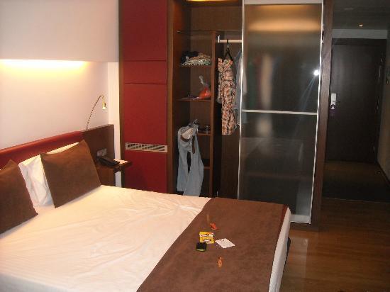 Ayre Hotel Gran Via: habitación amplia