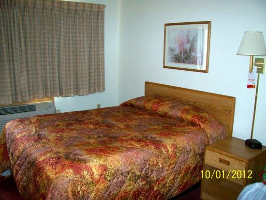Super 8 Houghton: 1 Queen room