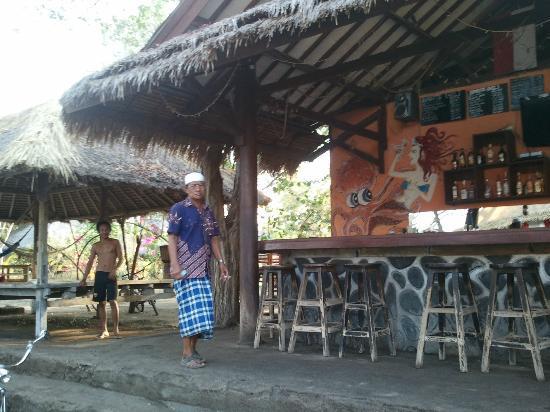 Pondok Gita Gili: Mon bungallow vu de derrière avec douche sous les étoiles