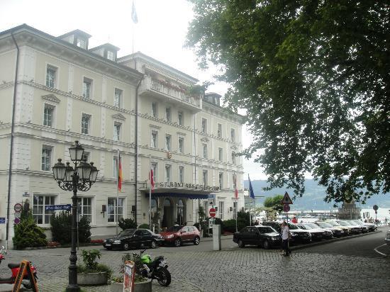 Hotel Bayerischer Hof: just steps from the trainstation