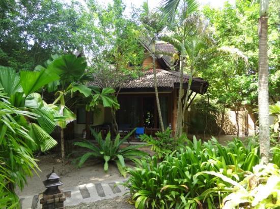 Sunrise Tropical Resort: villa