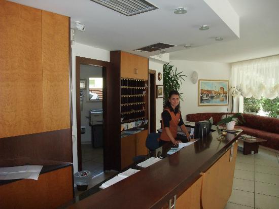 Pinarella, Italia: Accoglienza clienti