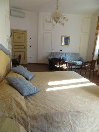 Ca dei Polo: View of room from bathroom