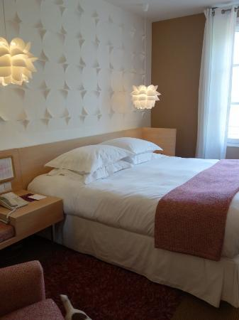 Boutique Hotel Cezanne: Bed
