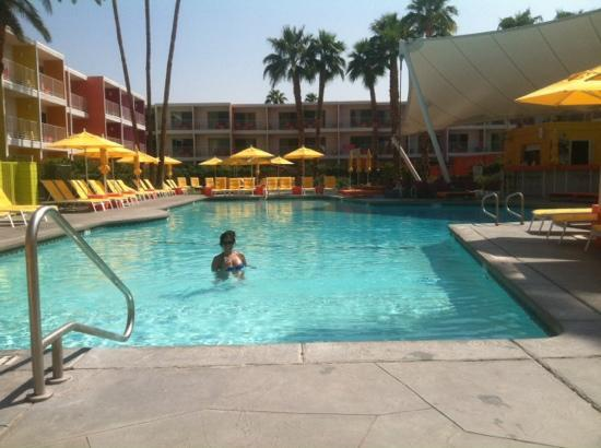 The Saguaro Palm Springs, a Joie de Vivre Hotel: Me in the pool!!