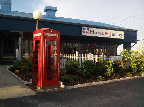 Horse & Jockey British Pub : Front entrance