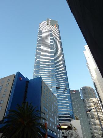 Travelodge Hotel Melbourne Southbank: Travelodge & Eureka Tower