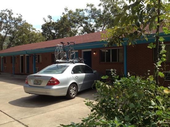 The Oak Motel : quiet spot