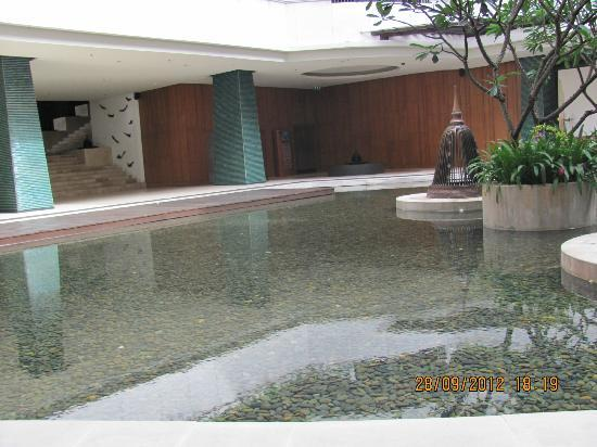 Millennium Resort Patong Phuket: ground floor