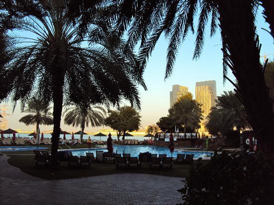 Le Meridien Abu Dhabi: Pool
