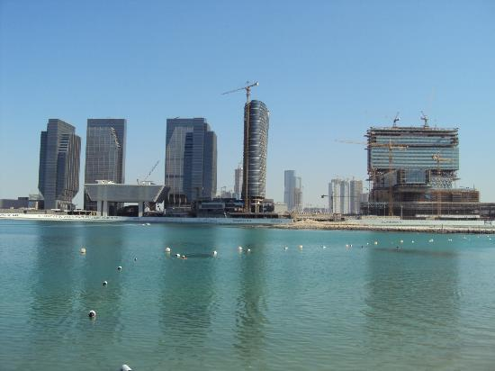 Le Meridien Abu Dhabi: View from beach