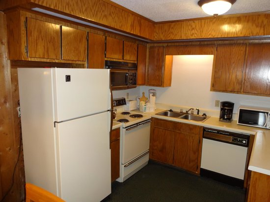 Out dated kitchen appliances that are over 20 years old in our Unit ...