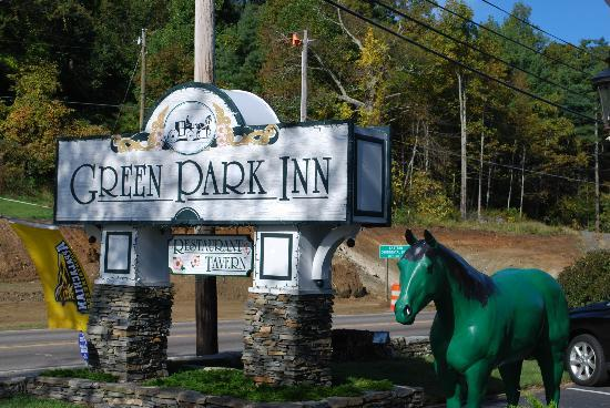 The Green Park Inn: Front signage