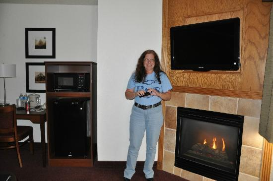 Perfect AmericInn Lodge U0026 Suites White Bear Lake: Flat Screen TV And Fireplace For Flat Screen Fireplace