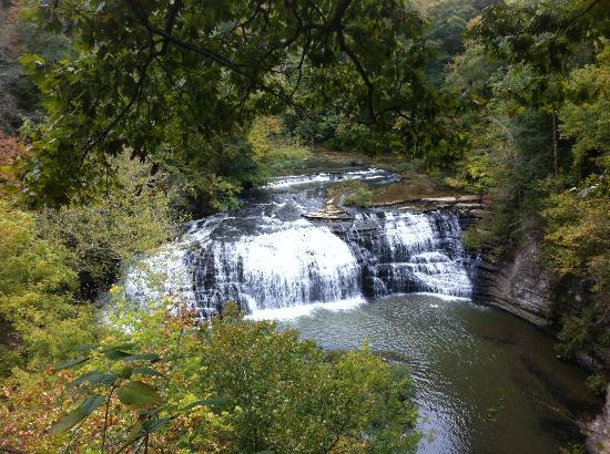Burgess Falls State Park: Middle Falls