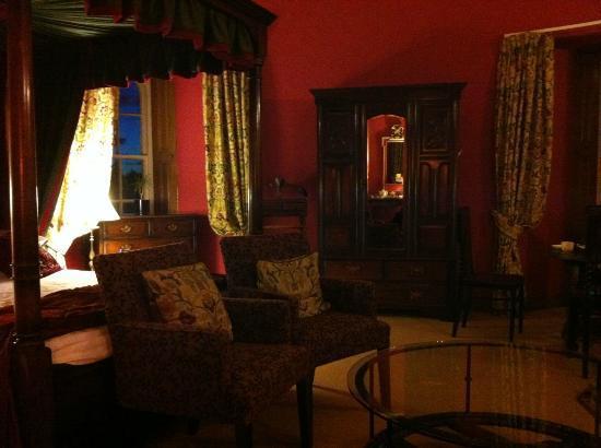 Dalhousie Castle: Round room #4 'Dalhousie'