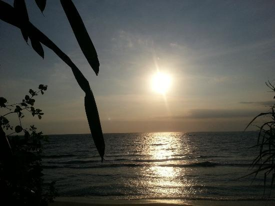 Holiday Resort Lombok: Sunset at the beach