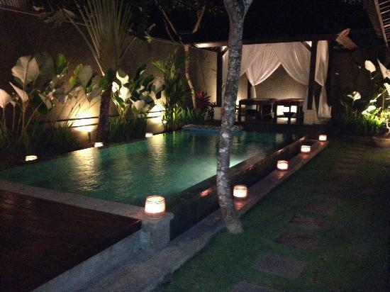 The Ulin Villas & Spa: night time with candles