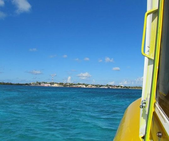 Caribbean Cruisin Charters, Tours & Excursions: Approaching South Caicos