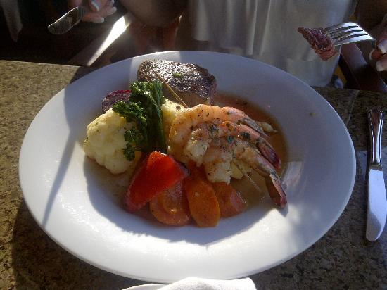Pacific Shores Resort and Spa: Delicious dinner!