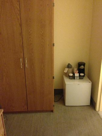 Hotel 140: College dorm type fridge (on the floor!?)
