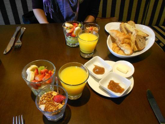 Fierro Hotel Buenos Aires: Amazing FREE breakfast!