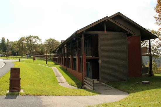 Skyland: Laurel building, Blue Ridge rooms