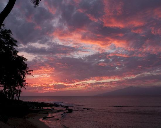 The Napili Bay: Sunset from our lanai
