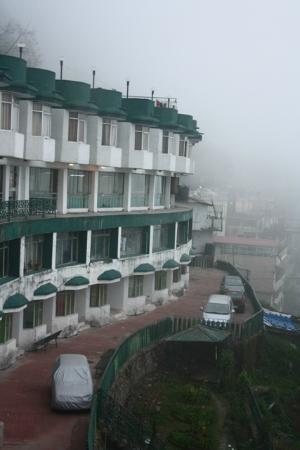GMVN Garhwal Terrace: Looks good on the outside.