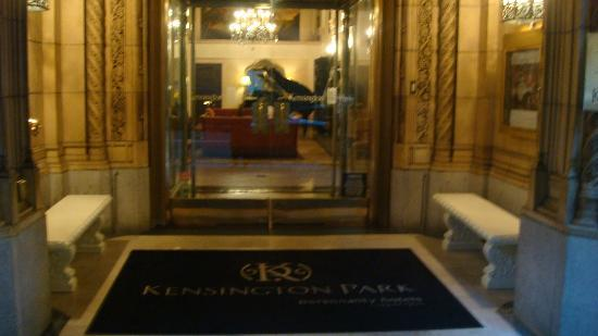 The Kensington Park Hotel: Hotel Entrance