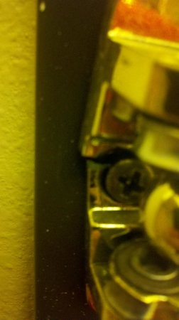 Days Inn Lehi : The lock in our room was broken