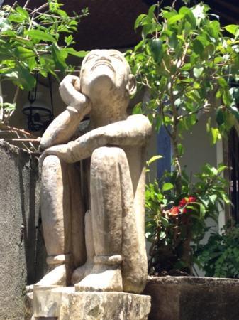 Sagittarius Inn: deco jardin