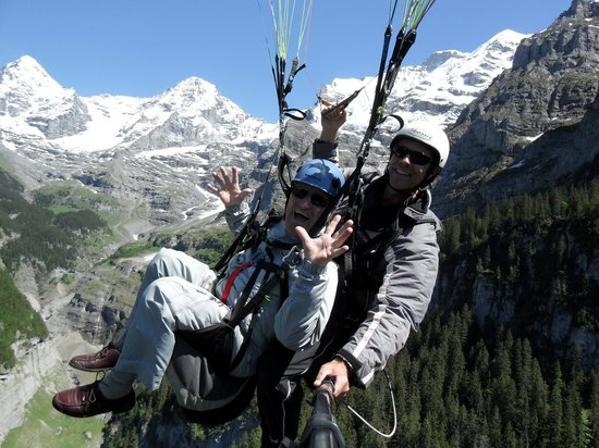 Airtime Paragliding: Up and above Lauterbrunnen