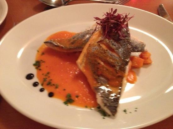 Riverside Restaurant: art on a plate!