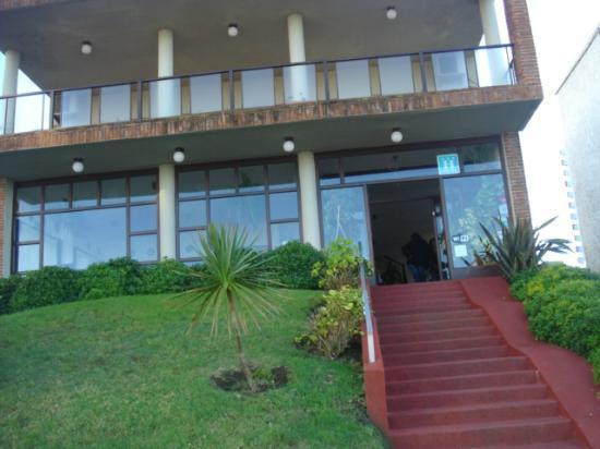 Hotel Bravamar: vista del hotel