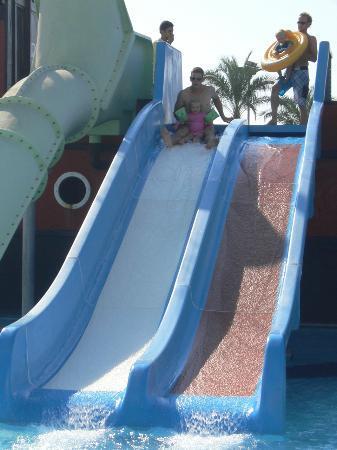 Titanic Beach Lara Hotel: Toboggans pour les petits