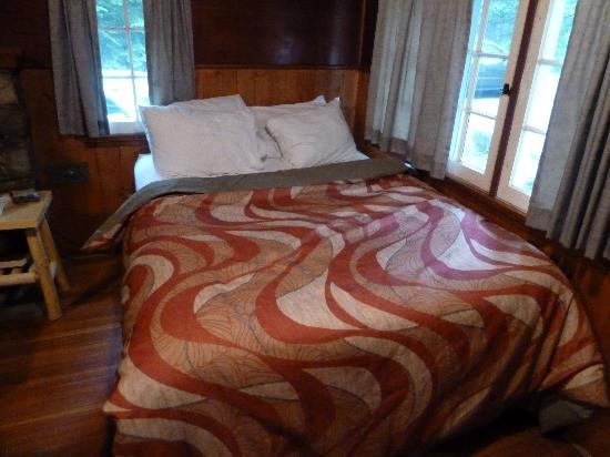 Tekarra Lodge: This is how they make the bed.